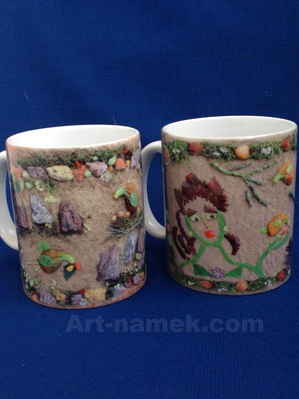 Принт картин из природных материалов на подарочных чашках