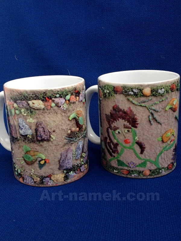 Two cups with photo-print made of natural materials.